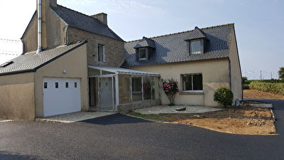 Immobilier landivisiau a louer locati maison for Location garage landerneau